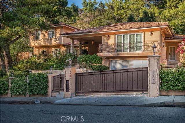 16677 Calneva Drive, Encino, California 91436- Oren Mordkowitz