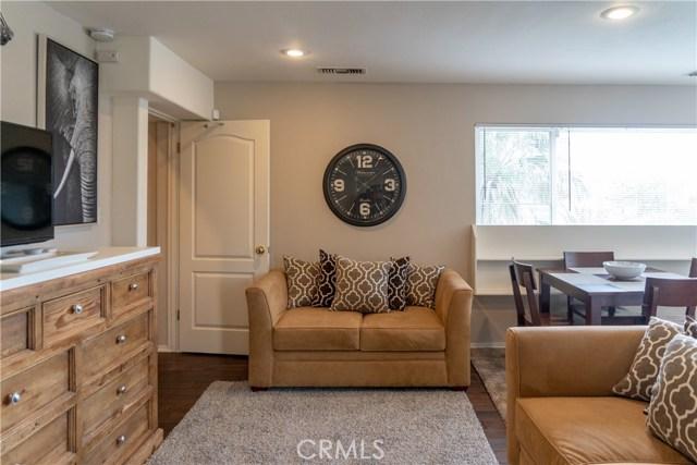 17219 Warrington Drive, Granada Hills CA: http://media.crmls.org/mediascn/87799538-d223-4c8c-96f2-33f2ceaf6466.jpg