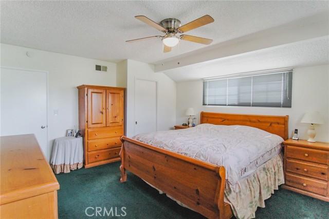 17234 Flanders Street, Granada Hills CA: http://media.crmls.org/mediascn/87b6e860-63f4-4a20-b893-a9bbcfa6ff11.jpg