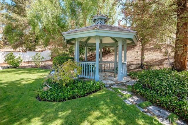 11900 Andasol Avenue, Granada Hills CA: http://media.crmls.org/mediascn/87b9fd10-f91b-42aa-9e24-57b0b7de63e7.jpg