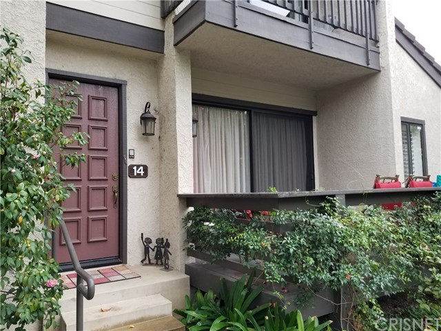Townhouse for Sale at 5757 Owensmouth Avenue Unit 14 5757 Owensmouth Avenue Woodland Hills, California 91367 United States