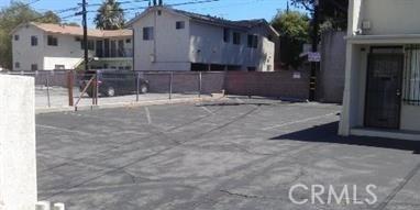 21414 Ventura Boulevard, Woodland Hills CA: http://media.crmls.org/mediascn/88050180-c2ae-411b-a933-2c8103852b2f.jpg