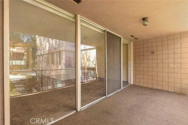 6979 Palm Court, Riverside CA: http://media.crmls.org/mediascn/8819a194-869f-402b-82df-87ef067fad96.jpg