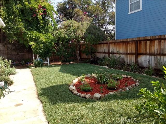 23327 IDA Place, Chatsworth CA: http://media.crmls.org/mediascn/8828ef70-b0ee-4a7a-82d8-34d661c3977f.jpg