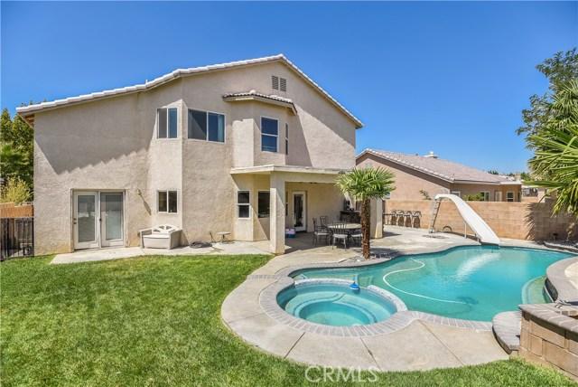 44142 Westridge Drive, Lancaster CA: http://media.crmls.org/mediascn/8846735e-b604-4856-88e6-f8fd1e359ca6.jpg