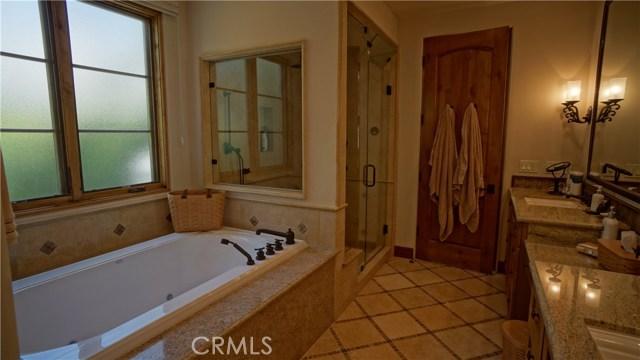 25854 Shady Oak Lane, Valencia CA: http://media.crmls.org/mediascn/886cd0b4-be86-42dd-9f2f-20cba5b4f74c.jpg