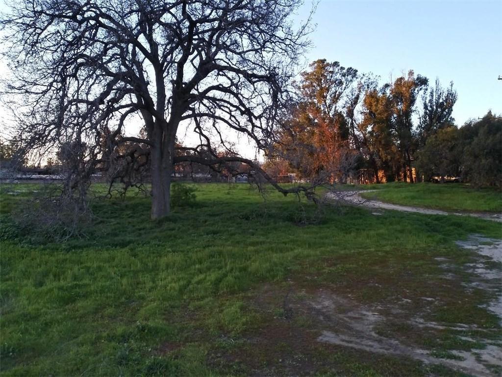 1761 Oak Road