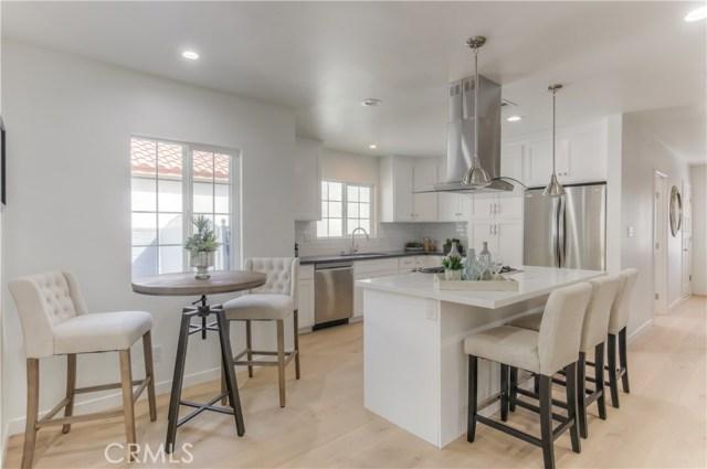 14601 La Maida Street, Sherman Oaks CA: http://media.crmls.org/mediascn/88855f0e-2864-41fc-a245-815960bcda9b.jpg