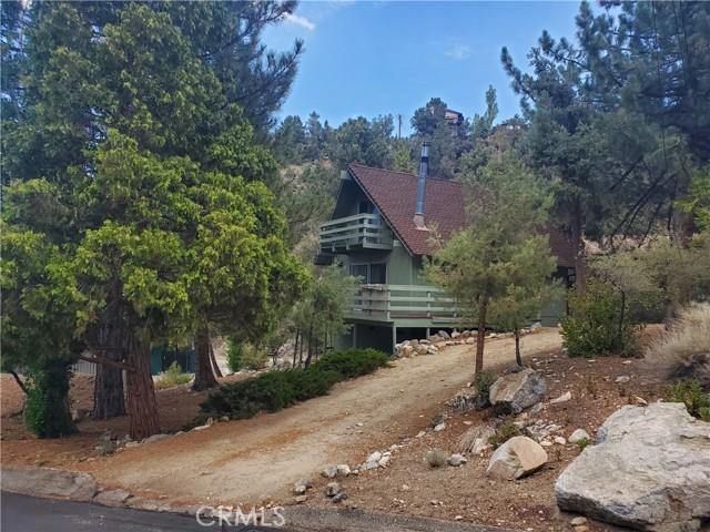 2056 Woodland Drive, Pine Mountain Club CA: http://media.crmls.org/mediascn/88aab9e2-de3a-42c0-9652-a9932666d50b.jpg