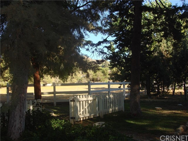 2011 Carson Mesa Road, Acton CA: http://media.crmls.org/mediascn/88b832fb-adbd-4bba-a3e7-6235454afa76.jpg