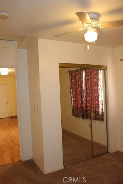 10502 White Oak Avenue, Granada Hills CA: http://media.crmls.org/mediascn/88bbb1d8-2984-4a17-9d05-5c3d916dcf0d.jpg