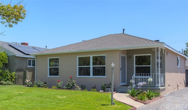 6044 Cartwright Avenue, North Hollywood CA: http://media.crmls.org/mediascn/8923fe16-c915-4600-9ea8-0f573f41084b.jpg