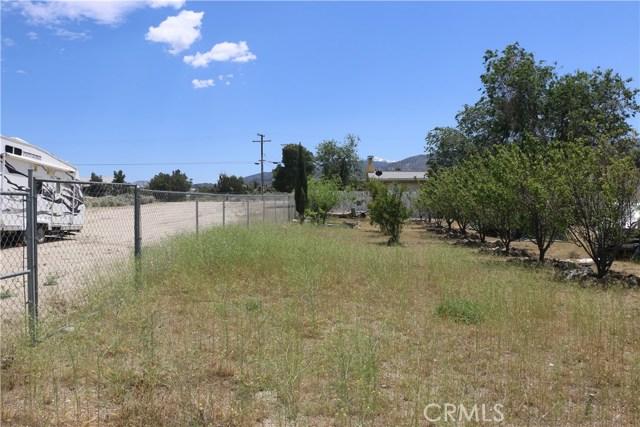 1150 Locust Road, Pinon Hills CA: http://media.crmls.org/mediascn/89288f35-c24f-4602-af77-d4d7d061c731.jpg