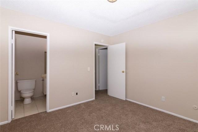 40638 173rd E Street, Lake Los Angeles CA: http://media.crmls.org/mediascn/89440588-41df-4ccf-a9a4-26444edb3141.jpg
