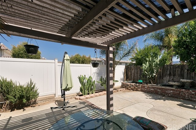 25229 Avenida Dorena Newhall, CA 91321 - MLS #: SR18155931