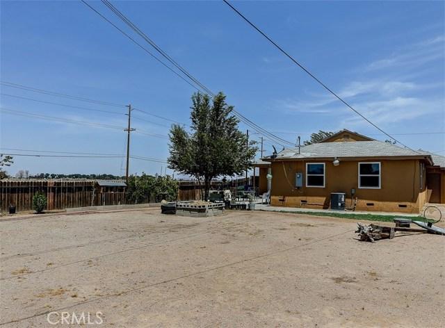 38757 Glenbush Avenue, Palmdale CA: http://media.crmls.org/mediascn/896b8c08-9139-48da-b39f-88227853a756.jpg