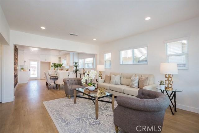 1731 W 41st Place, Park Hills Heights CA: http://media.crmls.org/mediascn/89747f5b-1334-4448-8b43-410014b2d3f6.jpg