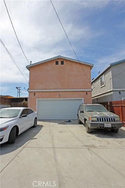 9912 S San Pedro Street, Los Angeles CA: http://media.crmls.org/mediascn/8984eab0-c238-4f1c-9f48-ac05920668d9.jpg