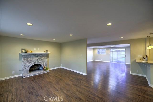 43743 Fern Avenue, Lancaster CA: http://media.crmls.org/mediascn/8996f6f2-44d2-4000-b9de-dba46161ed52.jpg