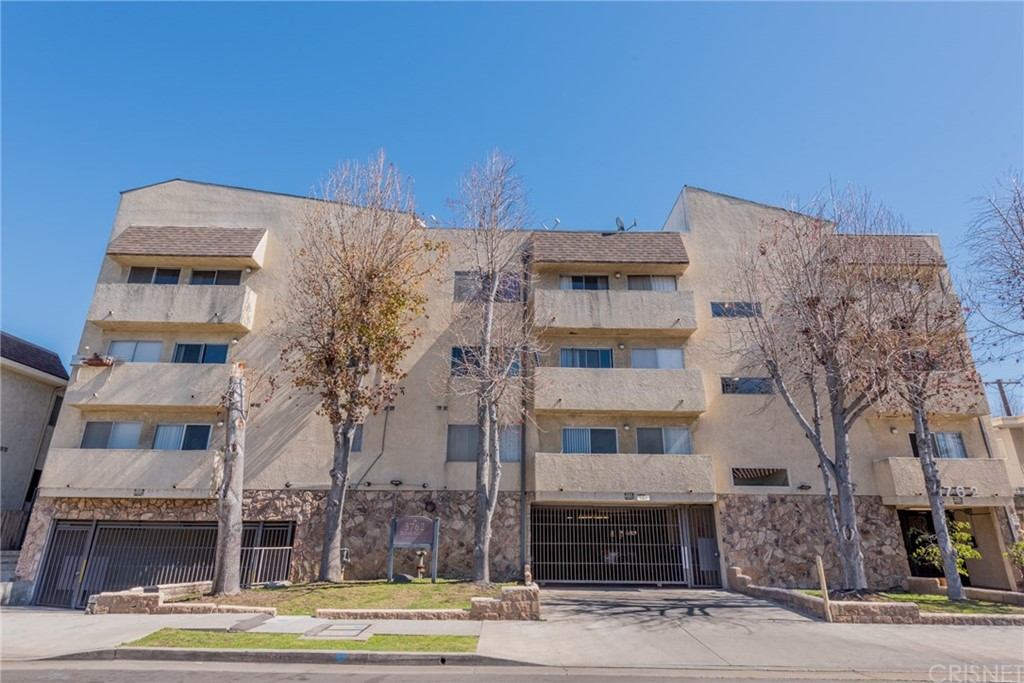Property for sale at 3762 Hughes Avenue #212, Los Angeles,  CA 90034