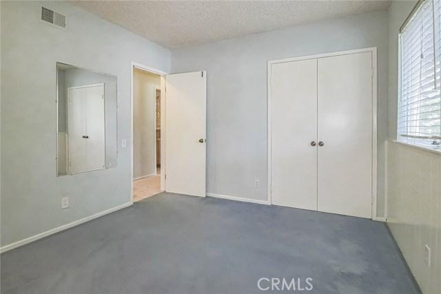 20431 Germain Street, Chatsworth CA: http://media.crmls.org/mediascn/89c95cd0-8582-476f-a44b-487627b91cec.jpg