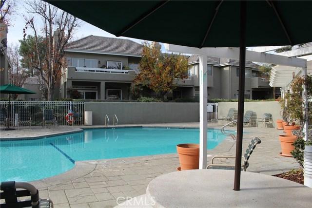 23963 Arroyo Park Drive, Valencia CA: http://media.crmls.org/mediascn/89cbad22-450f-4cc4-9a88-08930c5131fa.jpg