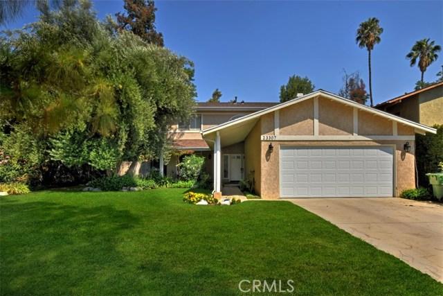 23307 Weller Place, Woodland Hills CA: http://media.crmls.org/mediascn/89d6bc96-04b8-4d36-a83b-77eceb47cf3e.jpg