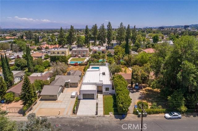 5804 Donna Avenue, Tarzana CA: http://media.crmls.org/mediascn/8a24478d-8ec7-46f2-b867-57d638fcfd9c.jpg