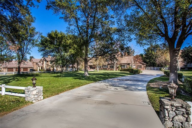 Single Family Home for Sale at 26738 Macmillan Ranch Road 26738 Macmillan Ranch Road Canyon Country, California 91387 United States