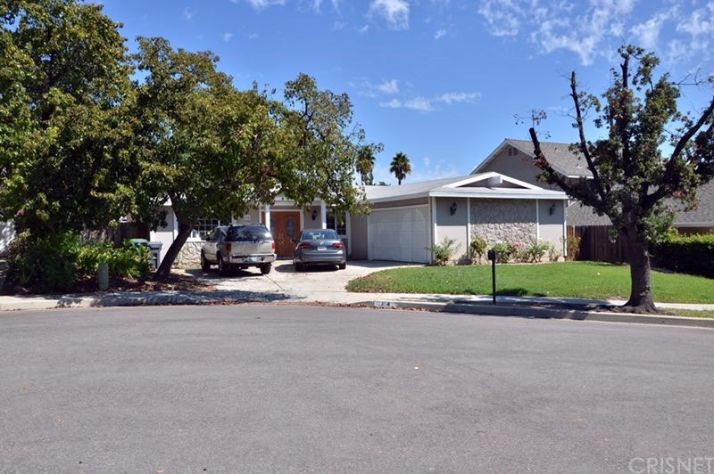 Photo of 74 KANAN Road, Oak Park, CA 91377