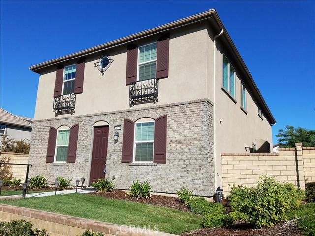 Property for sale at 28570 Vista Del Rio Drive, Valencia,  CA 91354