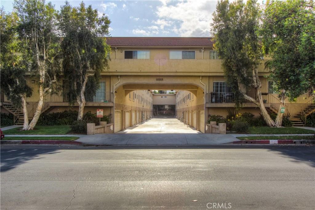 10215 VARIEL Avenue 8, Chatsworth, CA 91311
