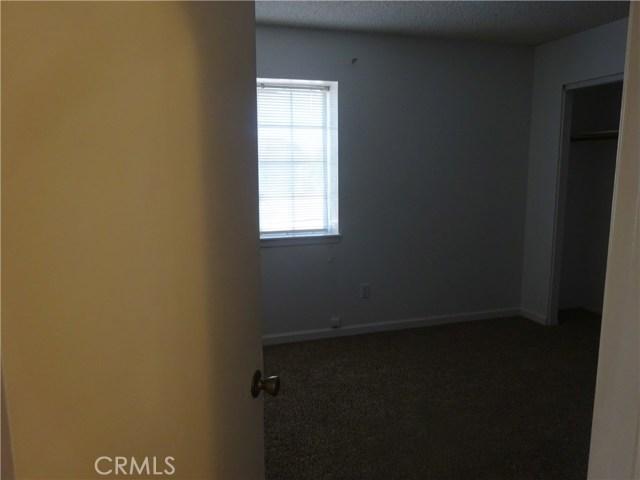 17308 Valeport Avenue, Lancaster CA: http://media.crmls.org/mediascn/8a99bfef-e992-4507-babc-796ad2a1b5c7.jpg
