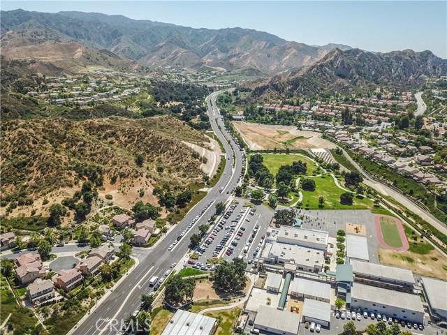 25226 Gloriso Lane, Stevenson Ranch CA: http://media.crmls.org/mediascn/8aa3251d-f7aa-4d22-8612-db1aa3bca2b3.jpg