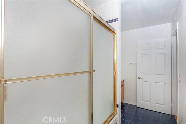 12646 Hubbard Street, Sylmar CA: http://media.crmls.org/mediascn/8aa5d101-3d94-4979-88c9-3a9096ff88d2.jpg