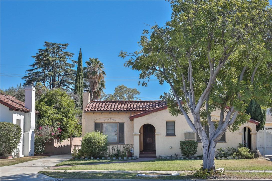 Single Family Home for Sale at 924 Burchett Street Glendale, California 91202 United States