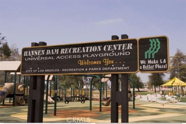 11844 Apple Grove Lane, Sylmar CA: http://media.crmls.org/mediascn/8adcf824-9a01-4812-8ef0-21396304014f.jpg