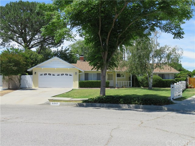 Single Family Home for Rent at 6507 Kentland Avenue West Hills, California 91307 United States