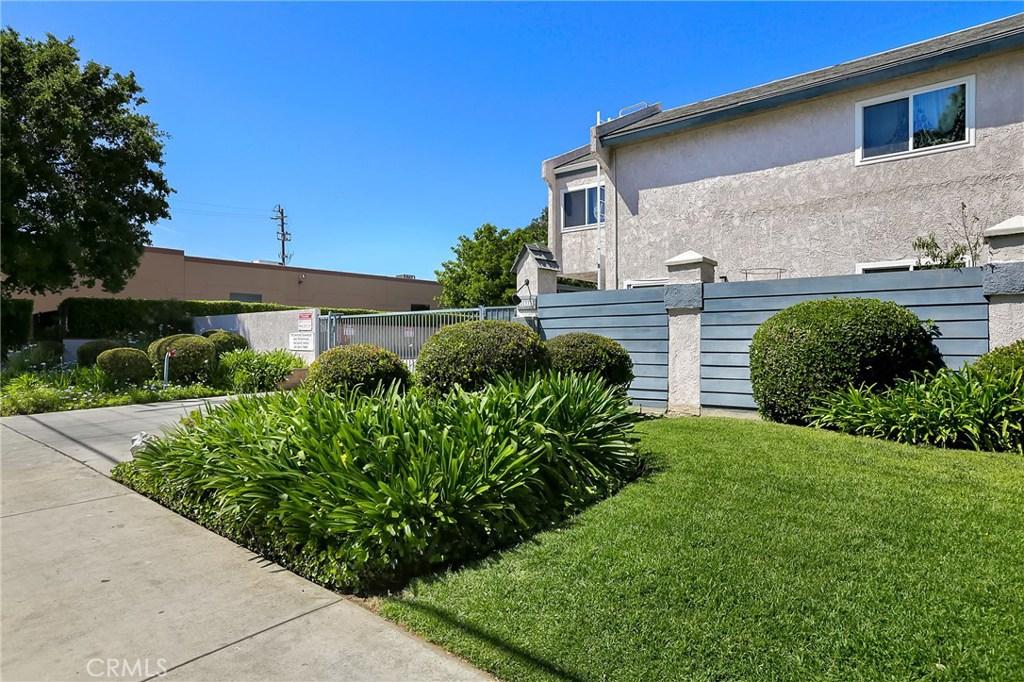 21333 Lassen Street #1B, Chatsworth, CA 91311