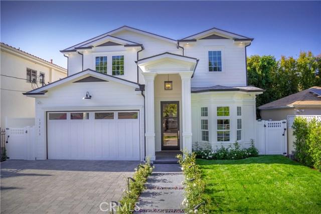 12415 Huston Street, Valley Village CA: http://media.crmls.org/mediascn/8baf55f0-90c3-4157-9466-8c90d24e23f5.jpg