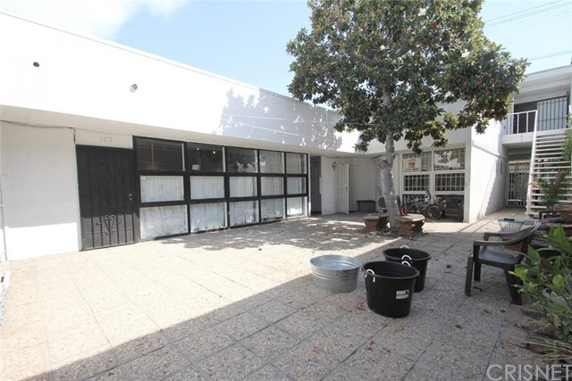 8032 W 3rd St, Los Angeles, CA 90048 Photo 3
