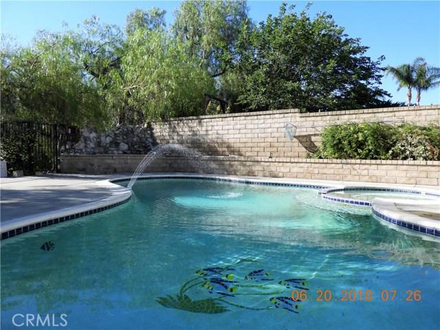 22906 Sycamore Creek Drive, Valencia CA: http://media.crmls.org/mediascn/8bcb2bef-ab24-4694-9f1f-1c7c7e9a05d9.jpg