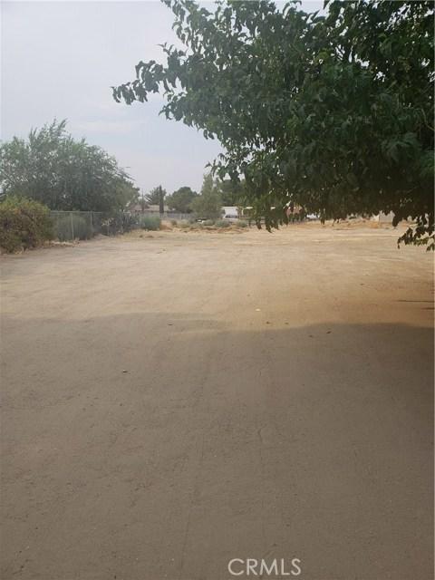 10105 E Avenue R6, Littlerock CA: http://media.crmls.org/mediascn/8c36e1ec-ad3c-4b3b-a0de-0244d7f7f1d2.jpg