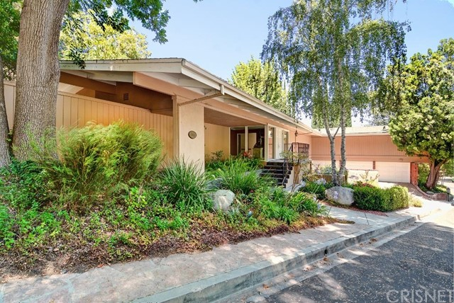 4965 Queen Florence Lane, Woodland Hills CA 91364