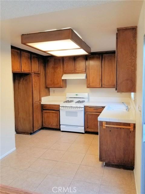 19221 Sherman Way Unit 34 Reseda, CA 91335 - MLS #: SR18272021