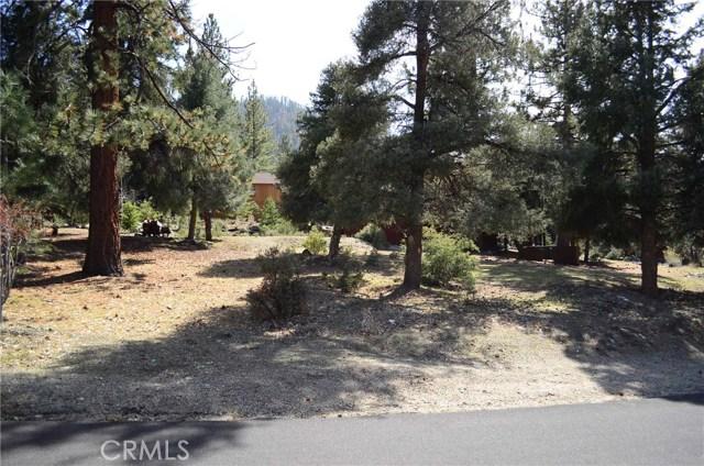 1917 Poplar Way, Pine Mtn Club CA: http://media.crmls.org/mediascn/8cb8e813-5984-41a9-8fb0-54df07ce242c.jpg