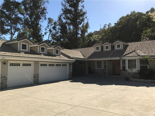 Single Family Home for Sale at 10123 Wheatland Avenue Shadow Hills, California 91040 United States