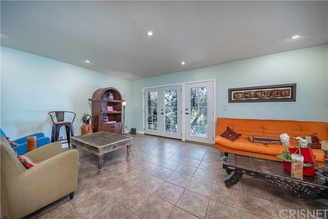 15344 Weddington Street, Sherman Oaks CA: http://media.crmls.org/mediascn/8d0838e0-7388-4201-958e-8ac7908c7673.jpg