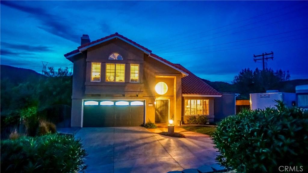28940 Shadow Valley Lane, Saugus, CA 91390