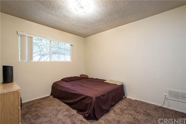 25066 De Wolfe Road Newhall, CA 91321 - MLS #: SR17206963